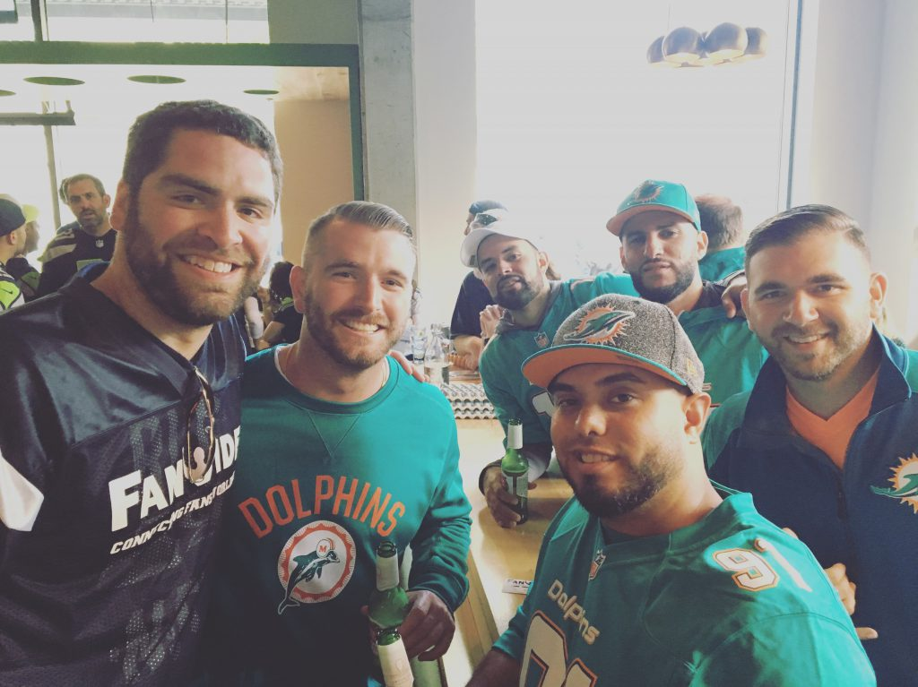 FanWide's Miami Dolphins Fans in Seattle